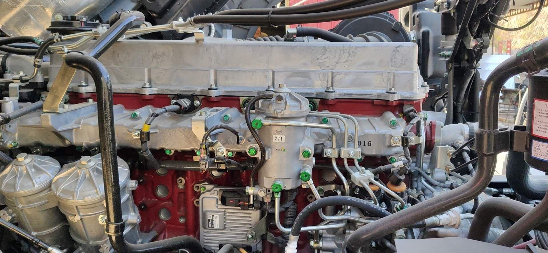 广汽日野 700臻值系 重卡 金典版 420马力 6X4牵引车(YC4250SS2PK5)口碑