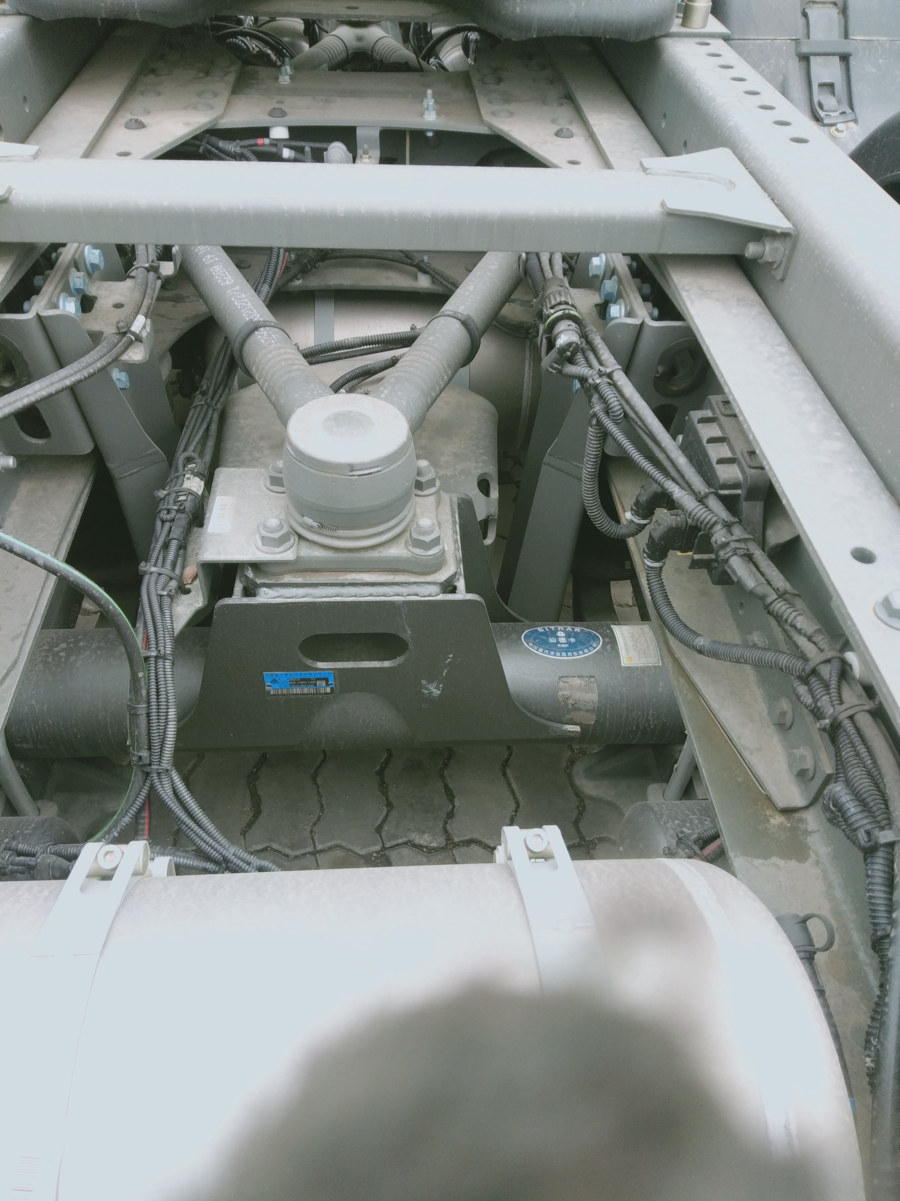 中国重汽 汕德卡SITRAK C7H重卡 540马力 6X4牵引车(ZZ4256V324HE1B/R7GD-1L)口碑