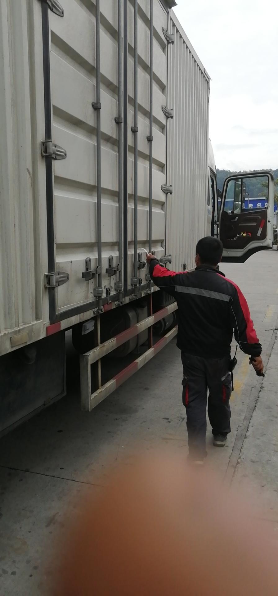 江淮 格尔发K5W重卡 240马力 4X2 9.6米厢式载货车(HFC1181P1K3A71S2V)口碑