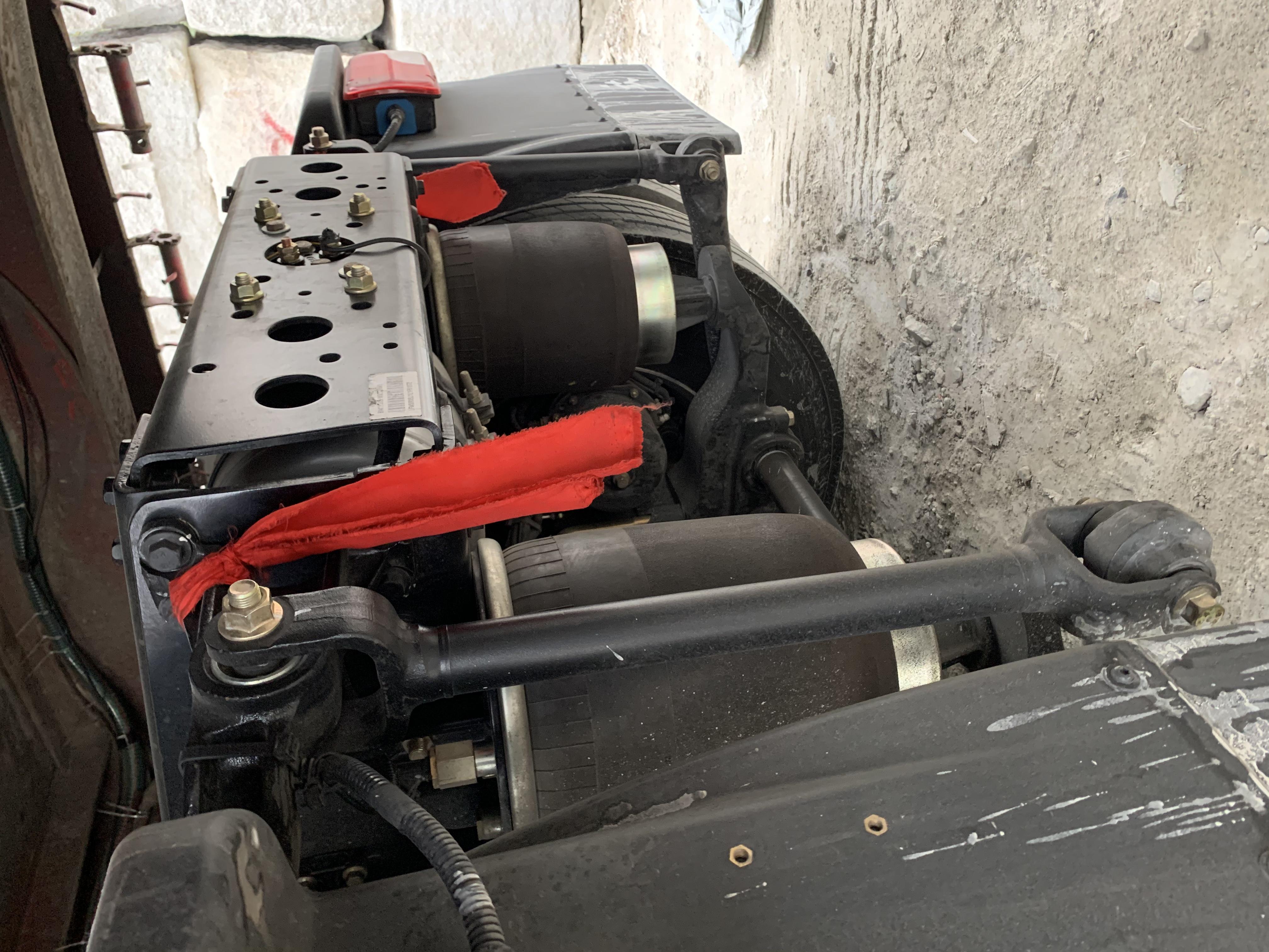 一汽解放 J7重卡 560马力 6X4 牵引车(国六)(液缓)(CA4250P77K25T1E6)口碑