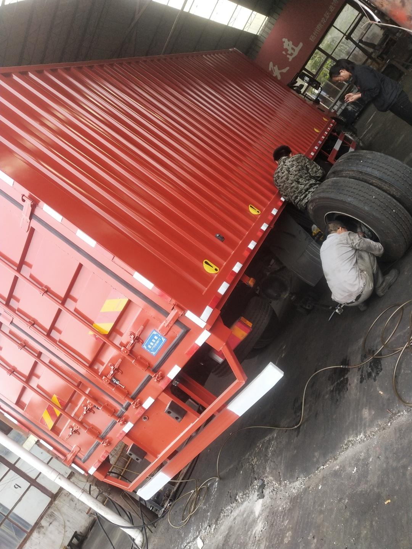 东风商用车 天锦KR 230马力 4X2 6.8米单排栏板载货车(DFH1180E3)口碑